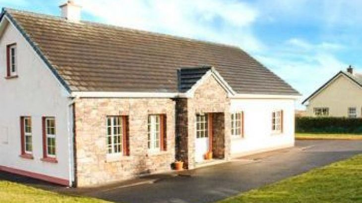 Fuchsia Lodge, sleeps  12,  group holiday rental, Kerry