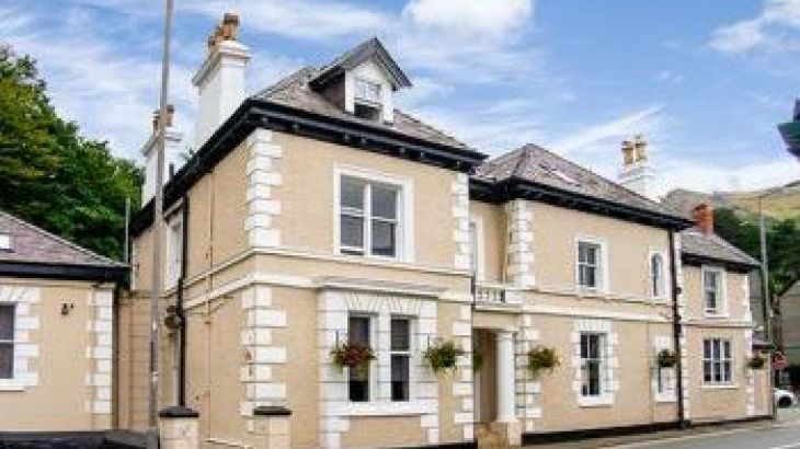 Mountain View Group Accommodation, sleeps  59,  group holiday rental, Conwy