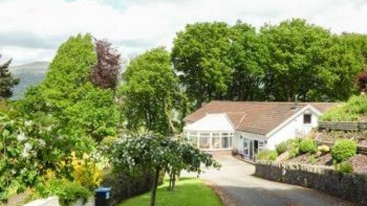 Treetops, sleeps  17,  group holiday rental, Monmouthshire