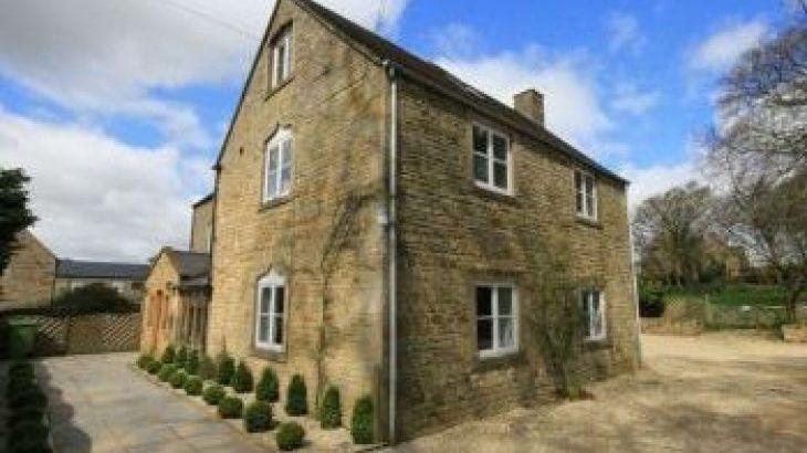 South Hill Farmhouse, sleeps  22,  group holiday rental, Gloucestershire