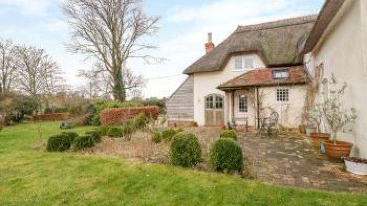 Apple Tree Cottage, sleeps  10,  group holiday rental, Dorset