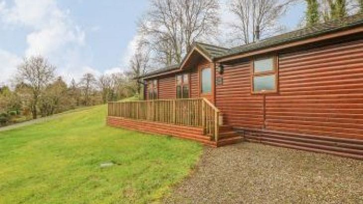 Beeches Holiday Lodge, Wales, sleeps  4,  luxury log cabins, Pembrokeshire