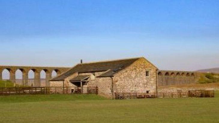 Three Peaks Holiday Barn, sleeps  13,  group holiday rental, North Yorkshire