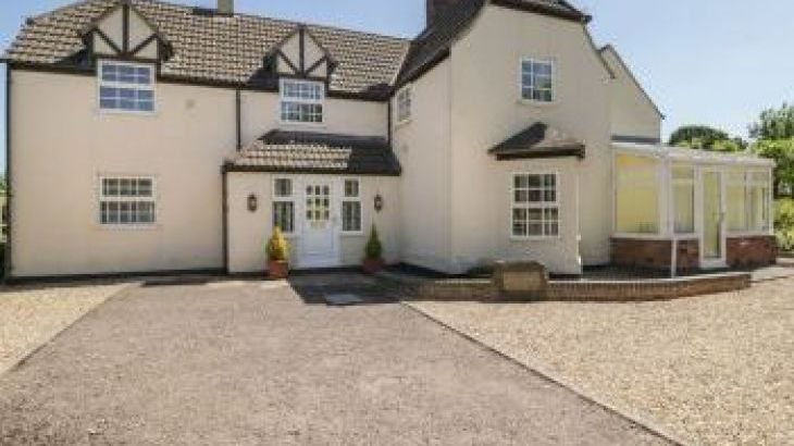 Ingleside Family Cottage, Adsett, Westbury On Severn, Cotswolds , sleeps  14,  group holiday rental, Gloucestershire