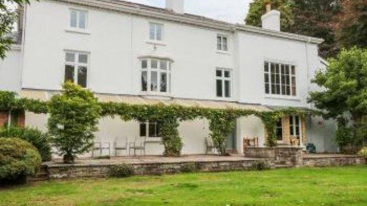 The Georgian House, sleeps  9,  group holiday rental, Monmouthshire