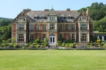 20 bedroom house. Knowle Manor  Photo 1 20 Bedroom Self catering House Dunster Somerset