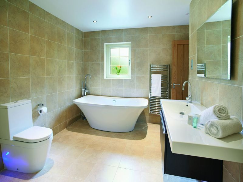 5 Luxury Lodges With Private Hot Tubs Colchester Essex Countrycottagesonl