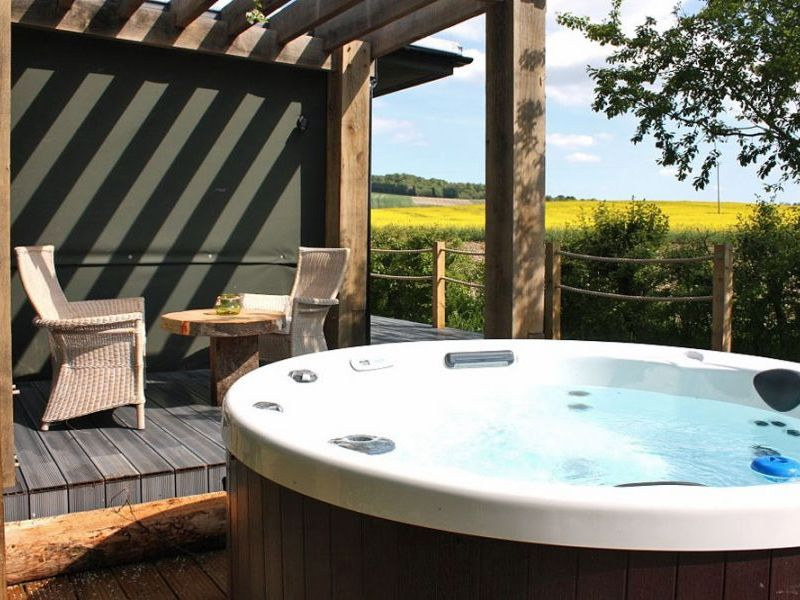 Luxury Lodges With Private Hot Tubs And A View Of The Chilterns Ewelme Oxfo