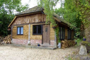 Endymion dog friendly holiday cottage, Linwood, English South Coast , Hampshire