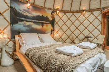 Island Holiday Yurt, Worcestershire