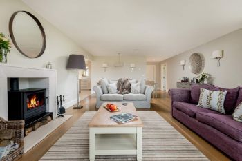 Sleeps 10+1, 5* High Spec, Luxury, House with free WiFi,private driveway, games room, amazing garden and Sonos System, Herefordshire