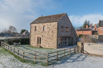 Glebe Holiday Barn, Shropshire