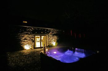Holiday rental with Hot Tub Access   in South Hams, South West, West Country, South Devon
