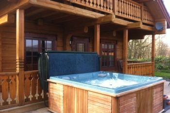 Sleeps 6 Holiday Rental with Hot Tub   in Mid Wales