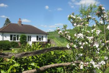 Waterlake Cottage, Orcheston, nr Stonehenge - Wiltshire