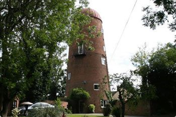 The Mill, Holiday Windmill, Braunston - Warwickshire