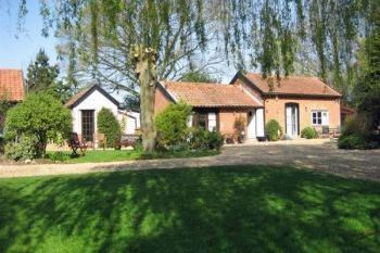 Pet-friendly for 2 in Suffolk Heritage Coast, East Anglia