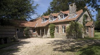 Private Rural Lodge Sleeps 9 at the Wrackleford Estate, Dorset, England
