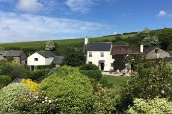 Cottage with a spacious bed for couples in Dartmouth, Slapton, South Hams, South Devon, South West, West Country