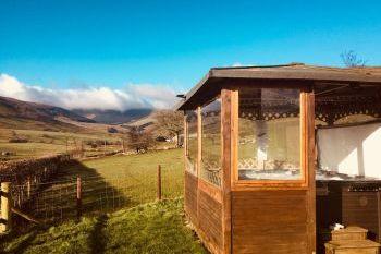 Caban y Berwyn - Powys