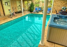 Holiday rental with Hot Tub Access   in South Cotswolds