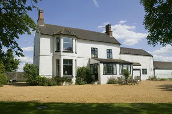 Sleeps 6 Holiday Rental with Hot Tub   in The Shires, Midlands