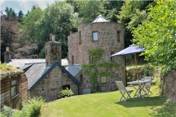 Dovecote Romantic Retreat, Monmouthshire, Wales