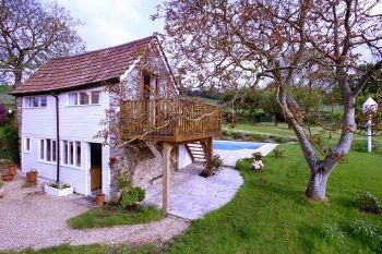 Cottage with pool for couples in The Blackdown Hills, South West, West Country