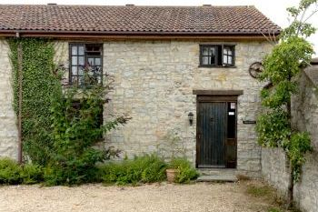 3 bedroom 2 bathroom holiday barn - indoor hot tub, Somerset, England