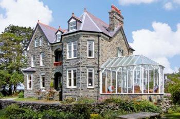 Pensarn Hall dog friendly holiday cottage, Llanbedr, North Wales  - Gwynedd