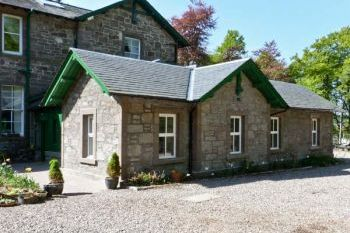 Courtyard Family Cottage, Forfar, Central Scotland  - Angus