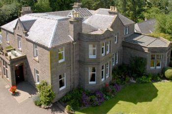 Large Country House with Games Room and Hot Tub near Glamis, Sleeps 12, Angus, Scotland