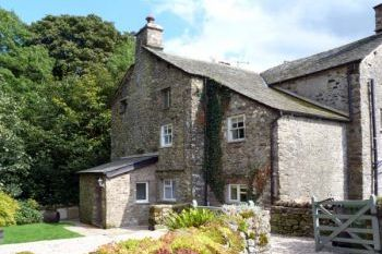 Beckside dog friendly holiday cottage, Kirkby Lonsdale, Cumbria & The Lake District  - Cumbria