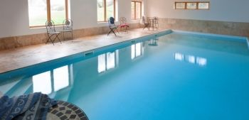 Large 6 Bedroom Holiday Barn Conversion with Hot Tub, Games Room and Access to an Indoor Swimming Pool, Somerset, England