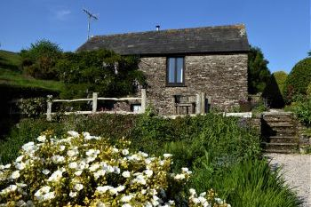 Cottage with a spacious bed for couples in South Hams, South Devon, South West, West Country
