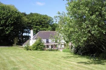 Romantic 4 poster cottage for couples in Pembrokeshire National Park