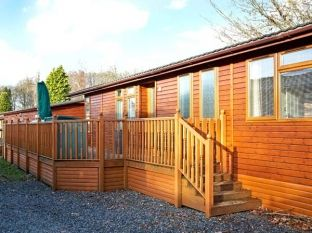 Cottage with leisure pool sleeps 2 in North England, Lake District National Park