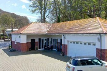 Oakwood Stables Holiday Home, Conwy, Wales