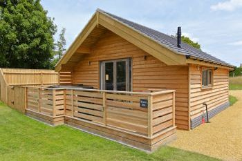 Cottage with Hot Tub Access   in Fenland, East Anglia