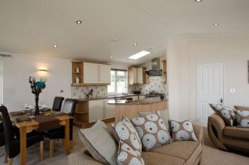 Signature Holiday Lodge - Lazy Otter Meadows, Cambridgeshire, England