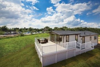 Deluxe Quality Dream Lodge - Lazy Otter Meadows Holiday Park, Cambridgeshire, England