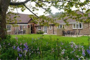 Cottage with king-size bed for 2 in South Coast, South Downs National Park