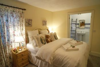 Dog friendly sleeps 2 in Derbyshire Dales