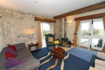 Cottage with a spacious bed for couples in South west Wales