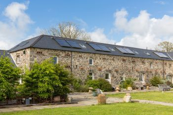 Self-catering accommodation with a barbecue sleeps 2 in West Wales