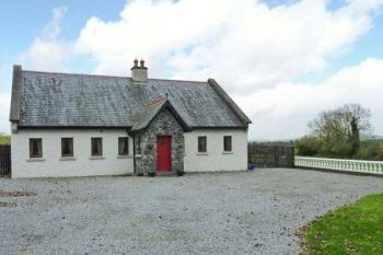 Sleeps 12 Hot Tub Cottage   in Ireland