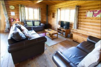 Large Greenfinch Holiday Lodge with Private Hot Tub and Shared Swimming Pool, Suffolk, England