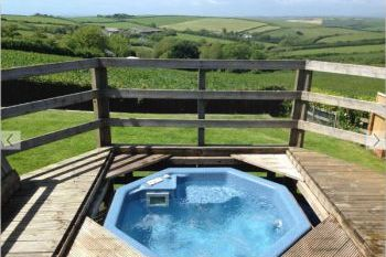 Sleeps 7 Holiday Rental with Hot Tub   in West Country, South West, South Devon Area of Outstanding Natural Beauty