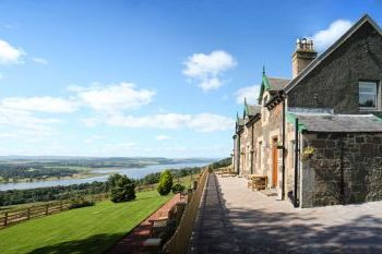 Two Bedroom Luxury Cottages near Glasgow and Loch Lomond, Dunbartonshire, Scotland