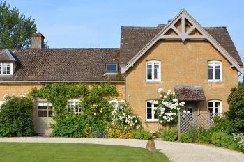 Accommodation with swimming pool for 2 in Cotswolds